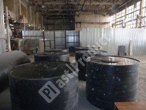 Пластиковая вставка в бетонные кольца