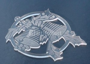 Лазерная резка декоративных деталей из пластика