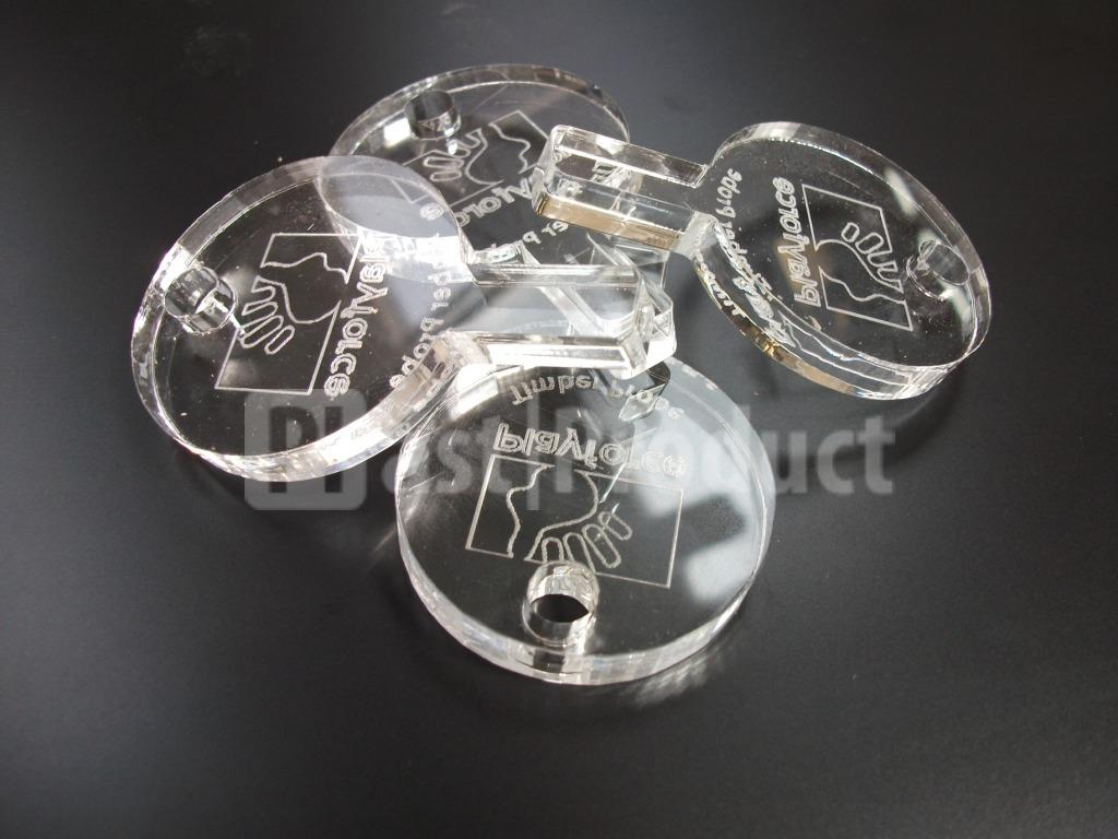 Лазерная резка прозрачного пластика