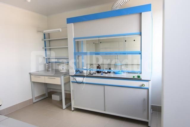 Вытяжной шкаф для химической лаборатории