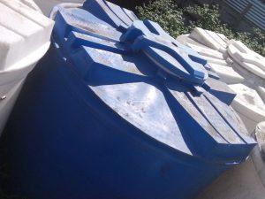 Круглая пластиковая емкость на 2000 литров